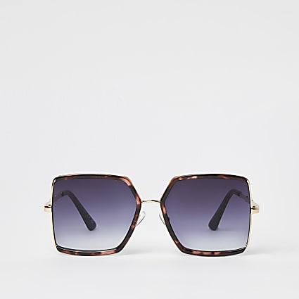 Gold angular dark sunglasses