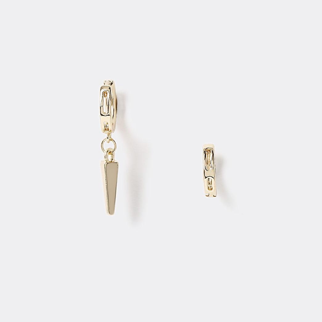 Goudkleurige oorhangers met asymmetrisch puntontwerp
