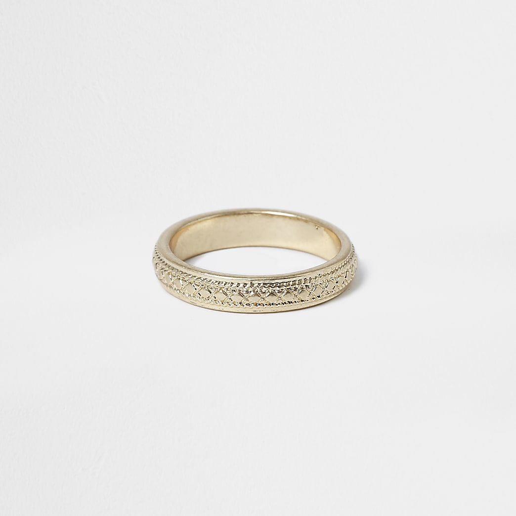 Gold colour engraved ring