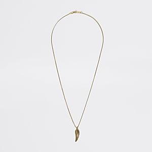 Goldfarbene Halskette mit Federanhänger