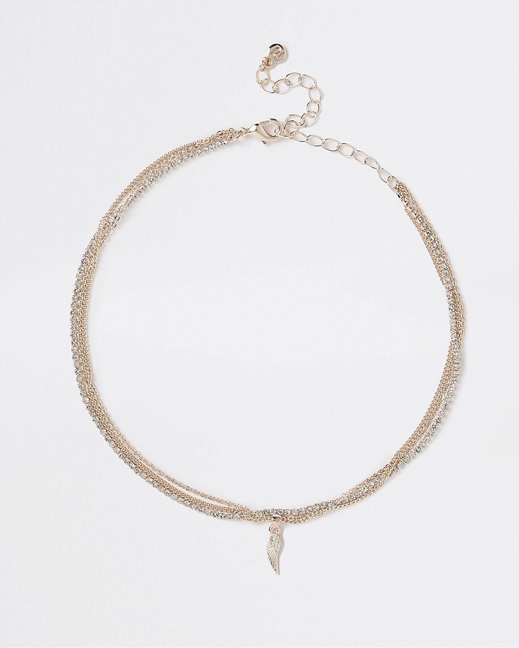 Gold pendant multirow choker