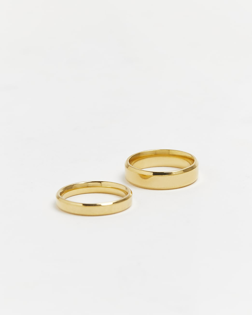 Gold stainless steel band rings 2 pack