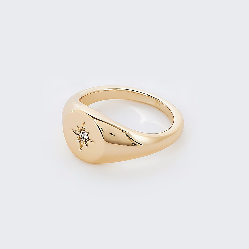 Gold star engraved pinky ring