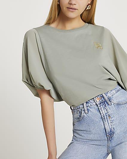 Green balloon sleeve t-shirt