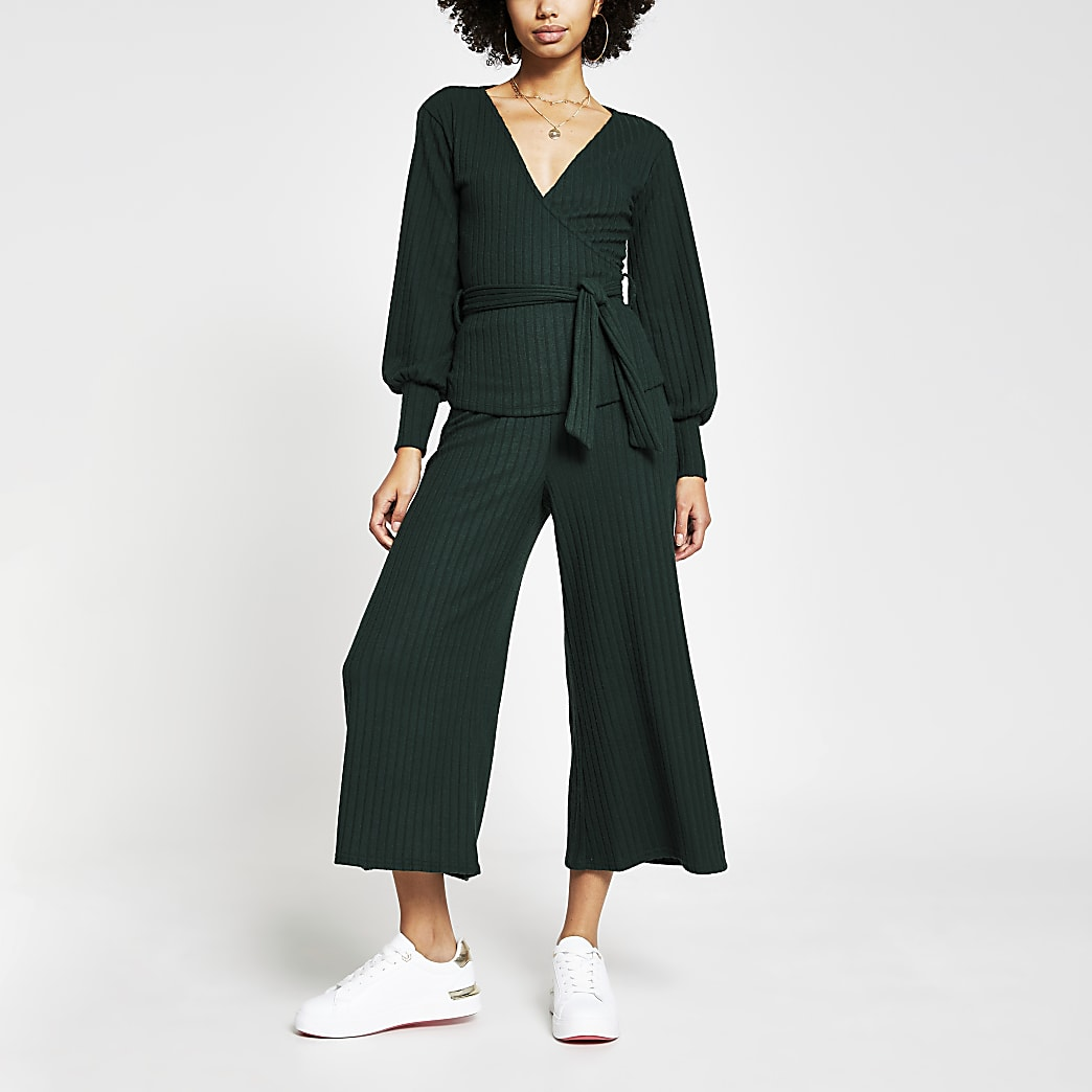 Green belted ribbed culottes