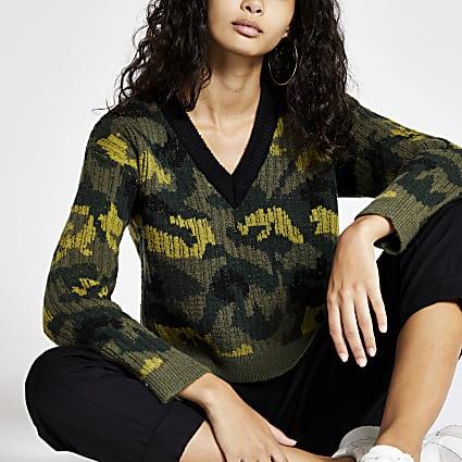Green camo print V neck jumper