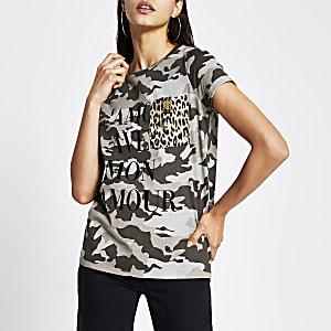 Groen T-shirt met camouflageprint en borstzak
