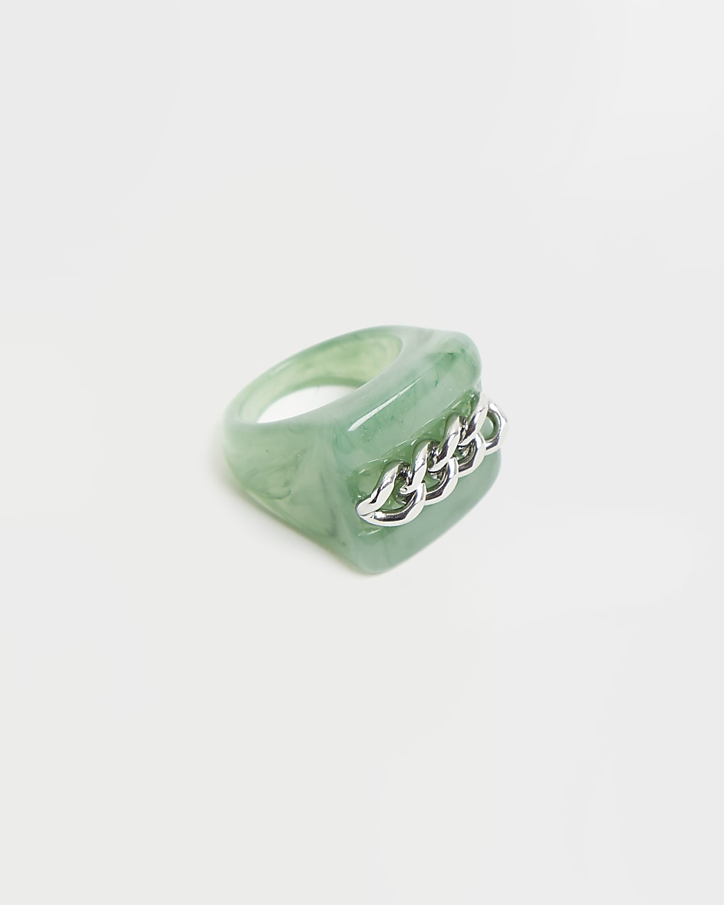 Green chain detail ring
