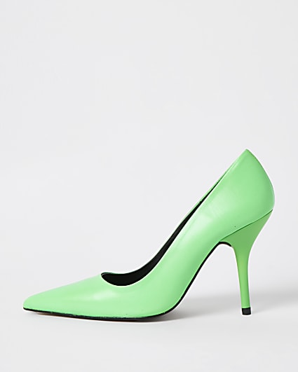 Green court shoes