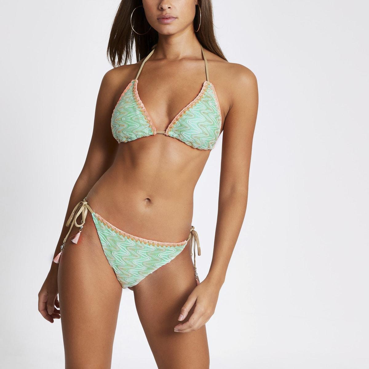 Grüne Bikinihose mit Stickerei und seitlicher Schnürung