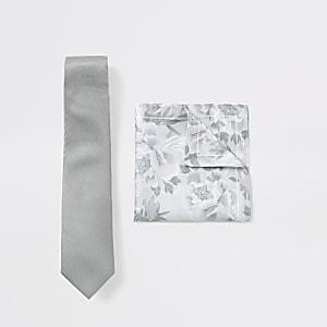 Set aus Krawatte und Einstecktuch in Grün mit Blumenmuster