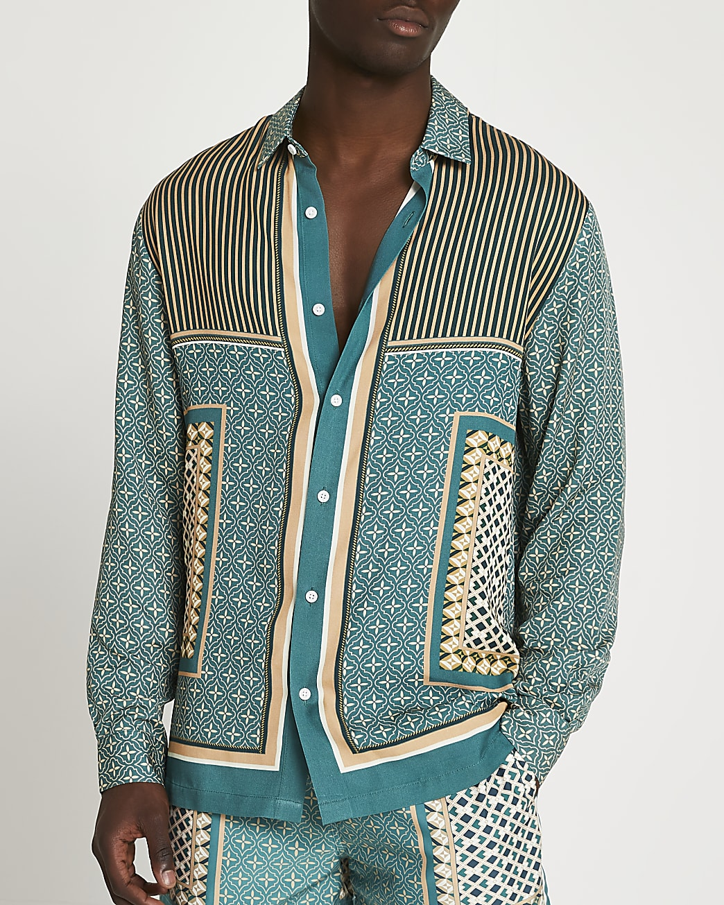 Green geo print long sleeve shirt