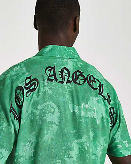 Green graphic tie dye short sleeve shirt