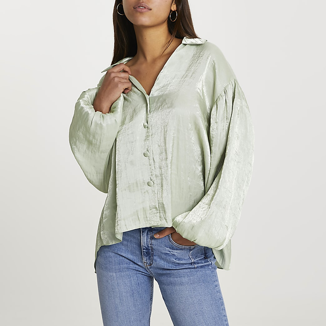 Green long puff sleeve shirt