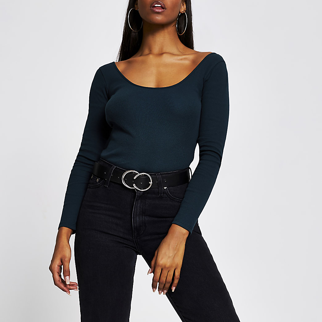 Green long sleeve scoop neck fitted top