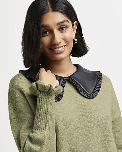 Green oversized collar knitted jumper