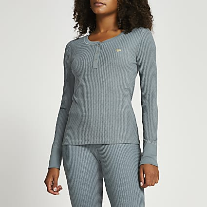 Green ribbed long sleeve lounge top