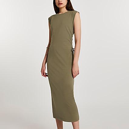 Green ruched side midi t-shirt dress