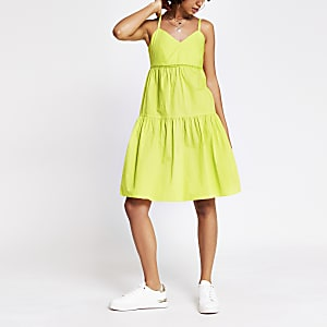 Green sleeveless ladder trim smock dress
