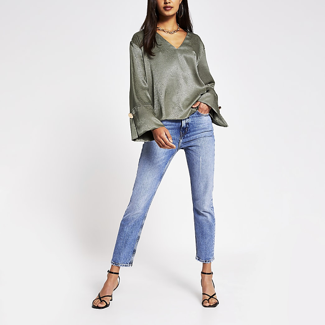 Green v neck jacquard blouse