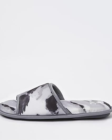 Grey camo print slippers