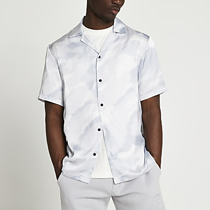 Grey camo revere short sleeve shirt