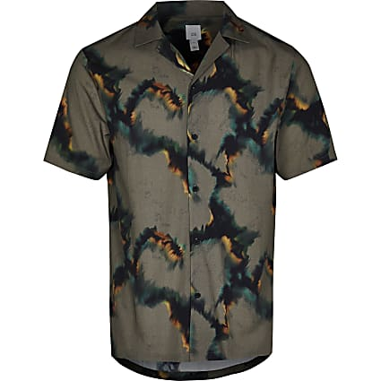 Grey camo short sleeve revere shirt