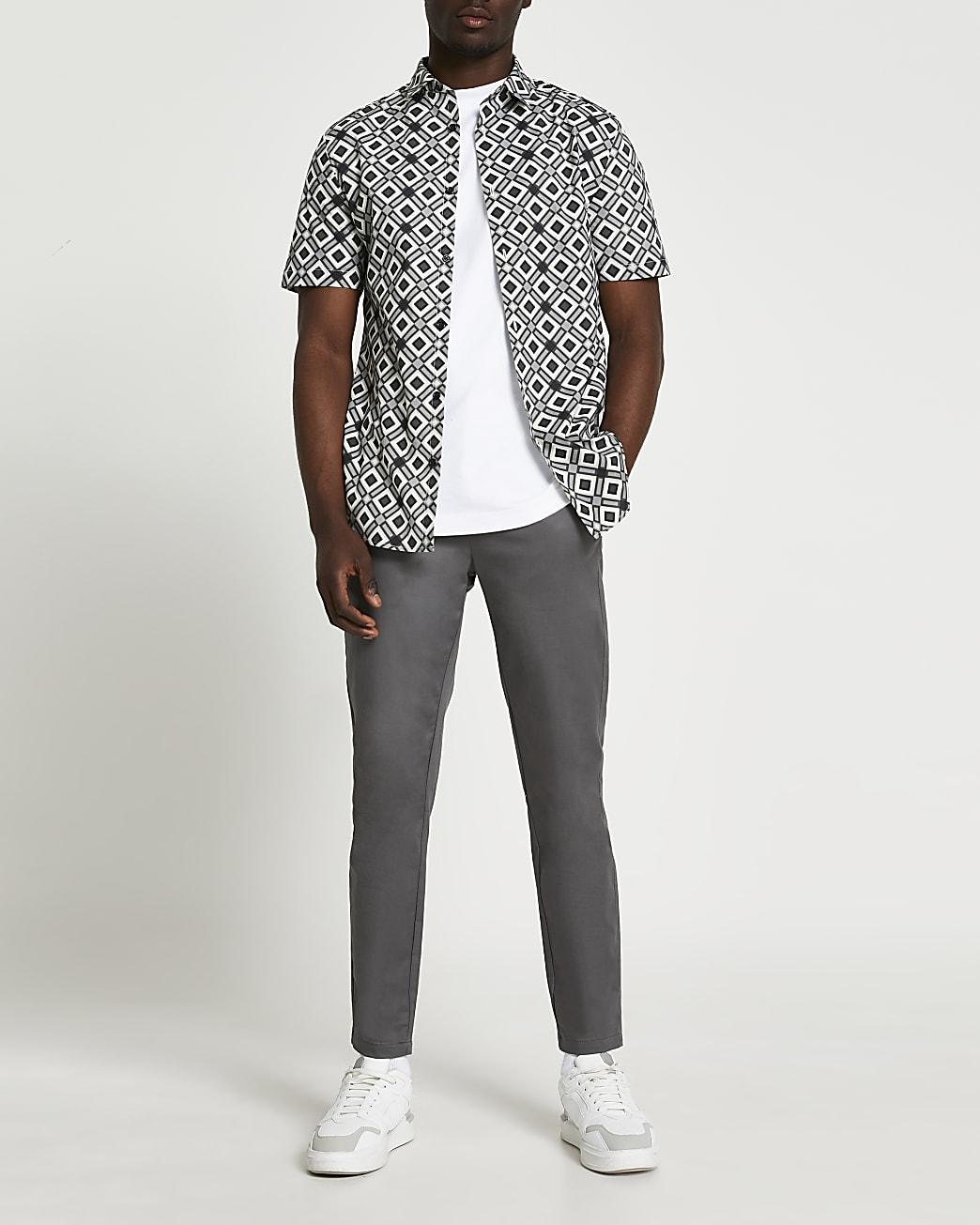 Grey diamond geo print short sleeve shirt