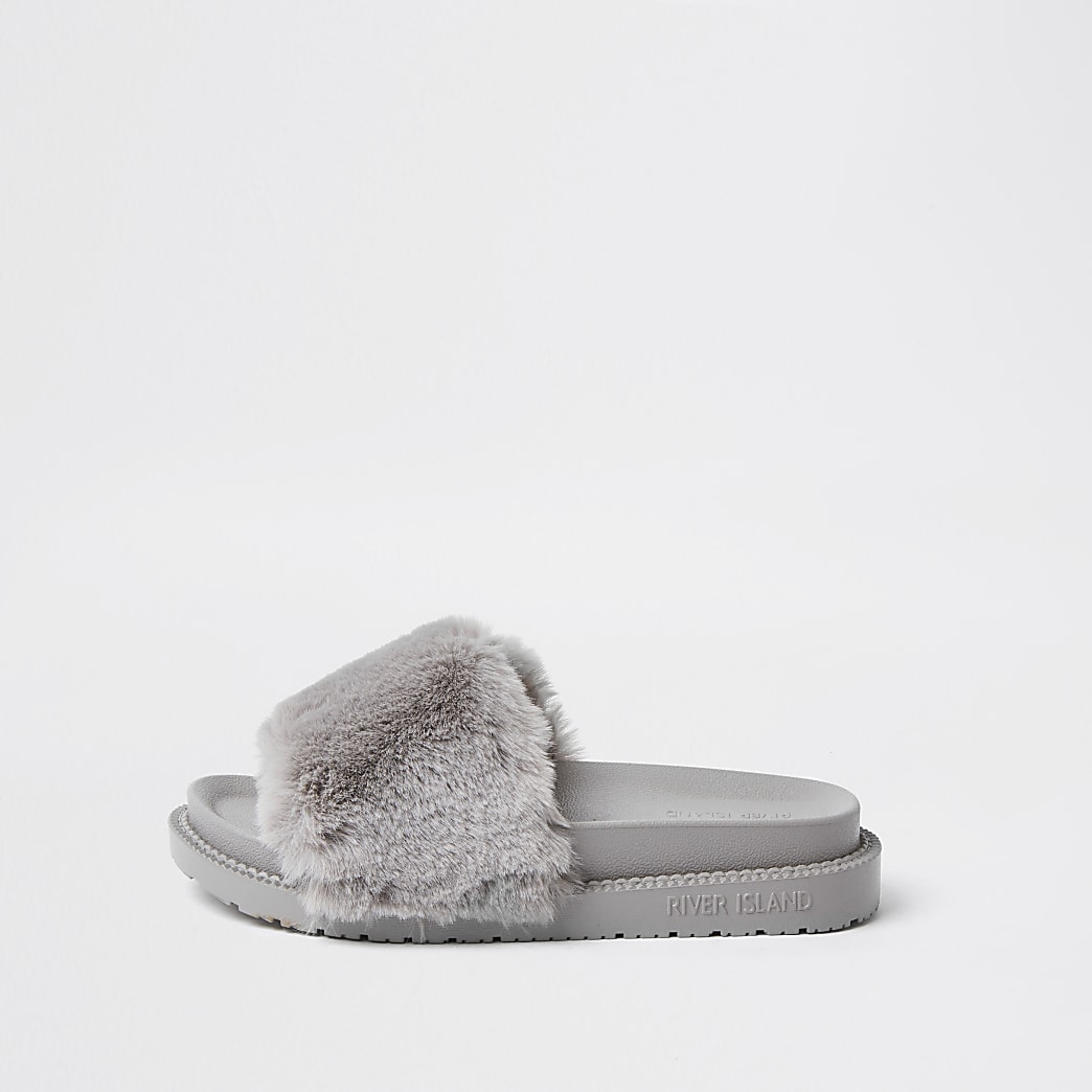 Grey faux fur slider