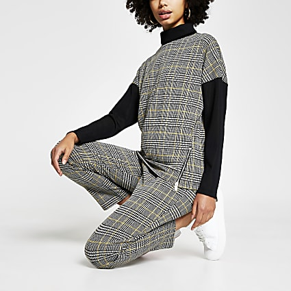 Grey long sleeve turtle neck check top