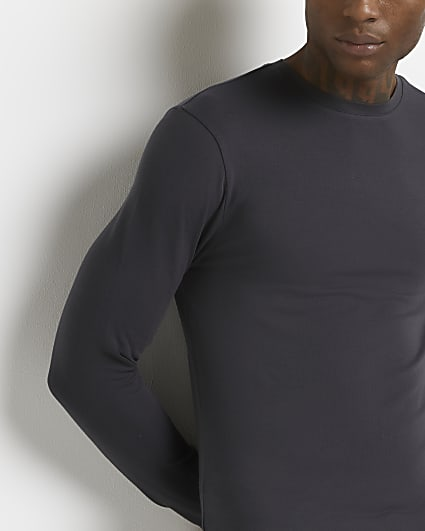 Grey muscle fit long sleeve t-shirt