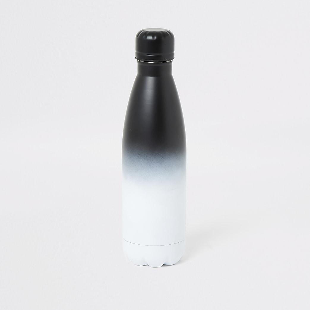 Grijze waterfles met omberverkleuring