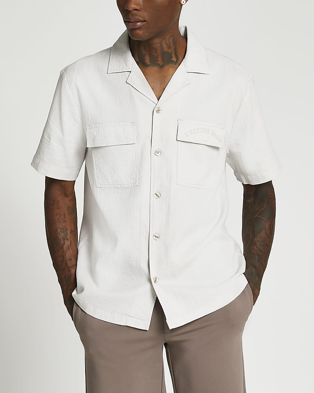 Grey pocket short sleeve shirt
