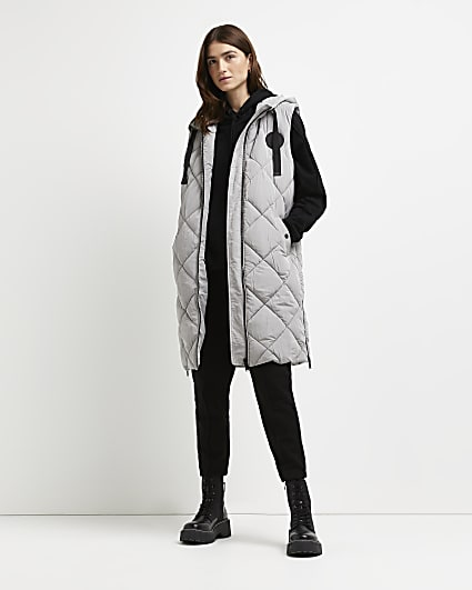 Grey quilted hooded gilet