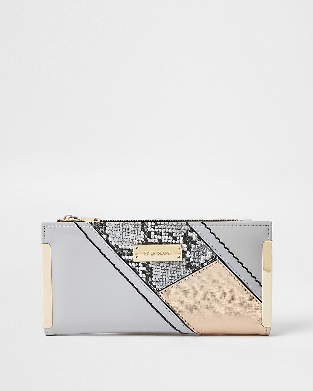 Grey snake print colour block clip purse