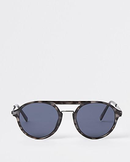 Grey tortoise shell aviator sunglasses