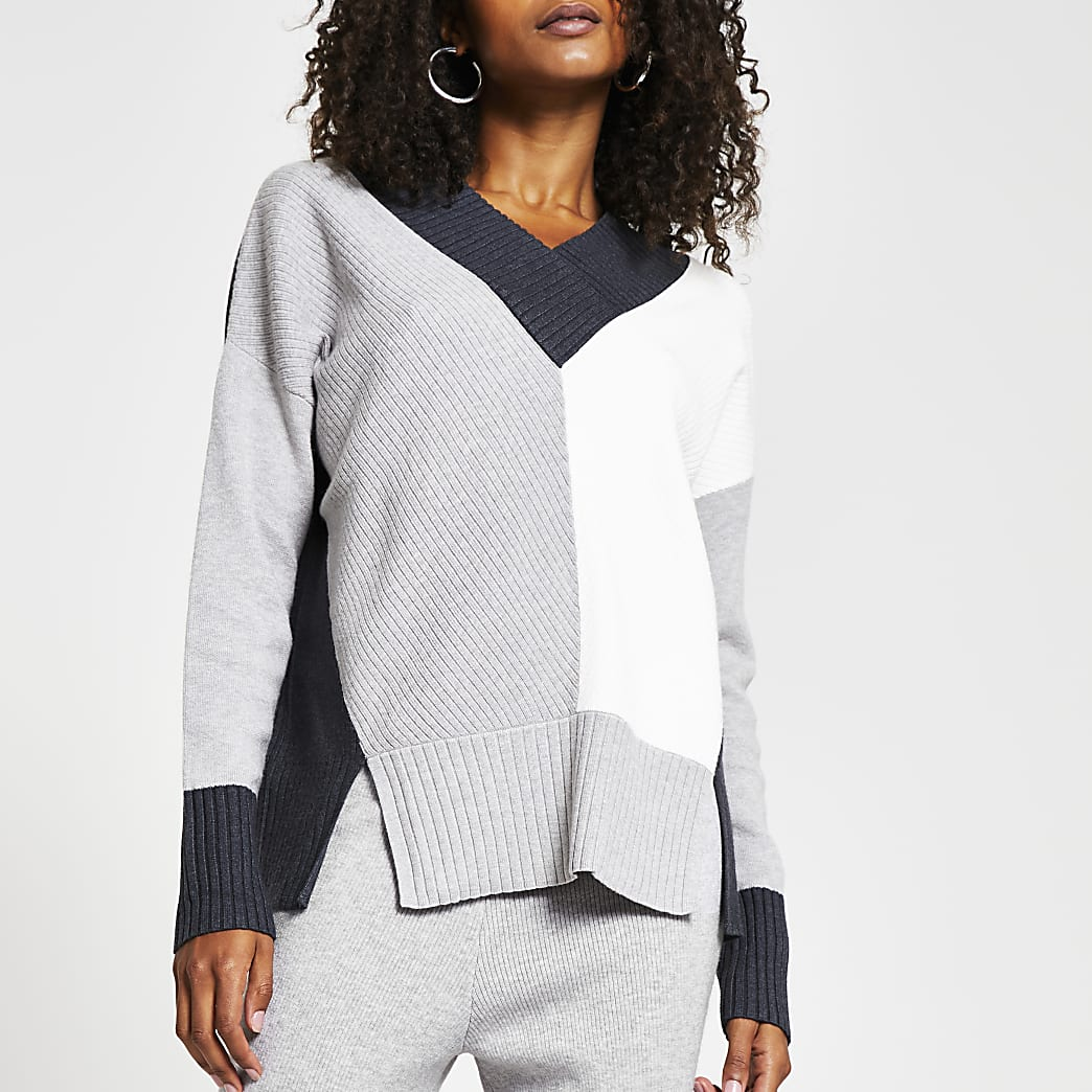 Grey v neck colour block chunky trim jumper