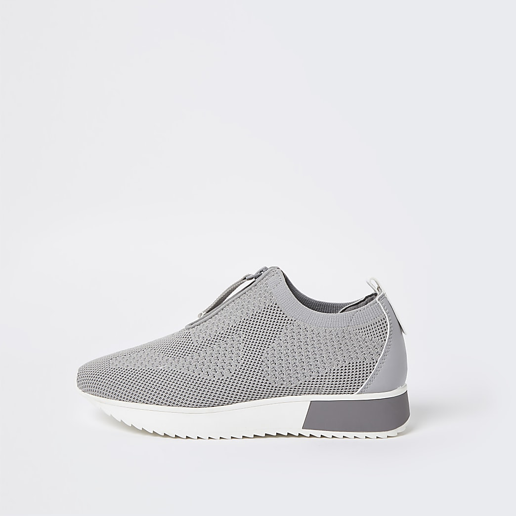 Grey wide fit knitted runners