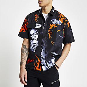 Jaded London – Schwarzes Hemd mit orangefarbenem Flammenprint
