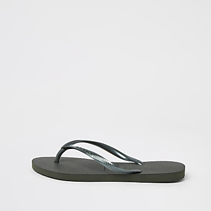 Khaki Havaianas flip flops