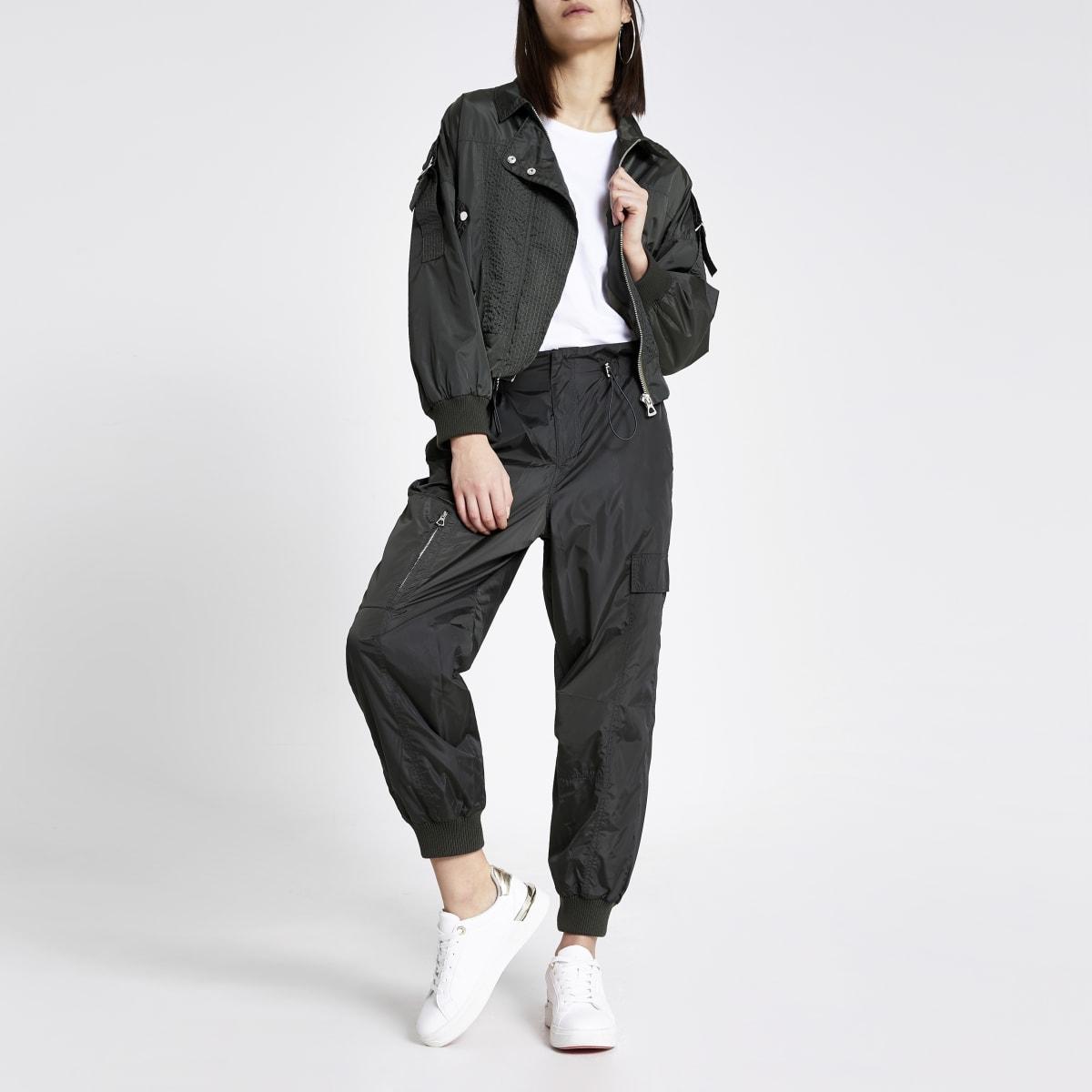 Pantalon kaki en nylon à taille haute ceinturée avec cordon