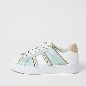Lichtgroene sneakers met studs en vetersluiting