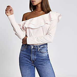 Lichtroze asymmetrische bardot blouse met ruches