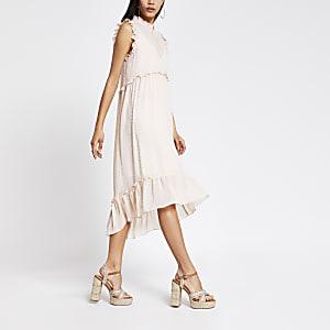 Lichtroze gesmoktehoogsluitende midi-jurk