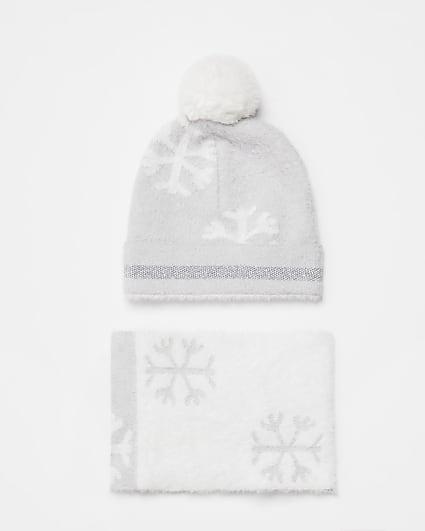 Min girls grey snowflake scarf and hat set