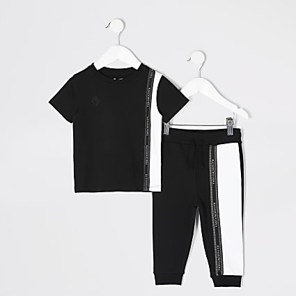 Mini boys black colour blocked T-shirt outfit