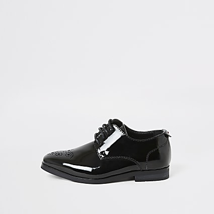 Mini boys black patent pointed toe shoes