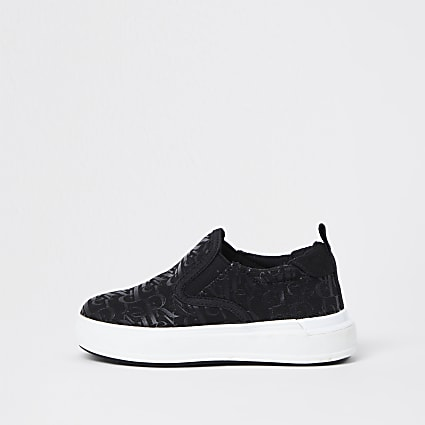 Mini boys black RI monogram plimsoles