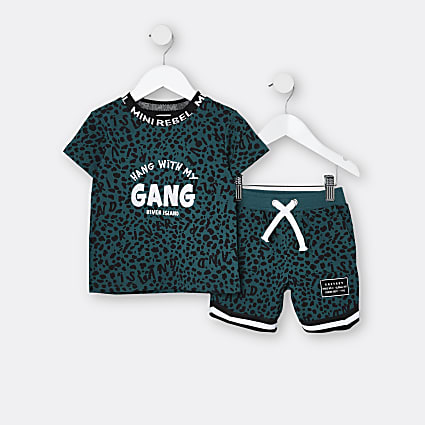 Mini boys green animal print t-shirt outfit