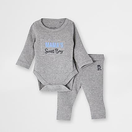 Mini boys grey 'Mamas boy' waffle outfit